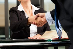 Юридическая консультация в офисе  Юридической компании «Варта»
